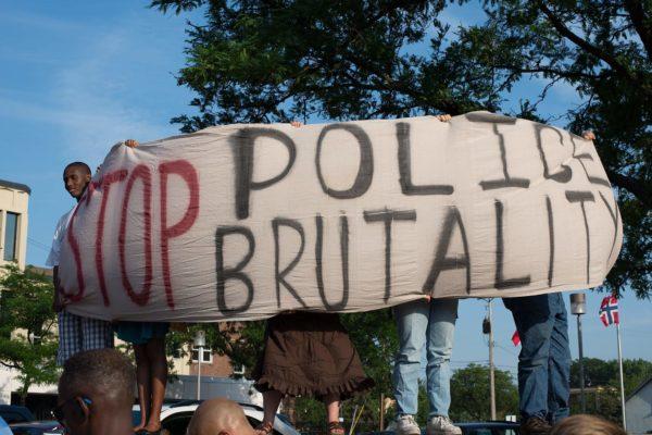 vittime violenza polizia